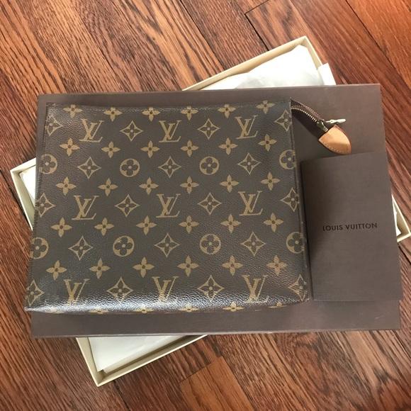57c4db78e593 Louis Vuitton Handbags - Louis Vuitton Toiletry Pouch 26